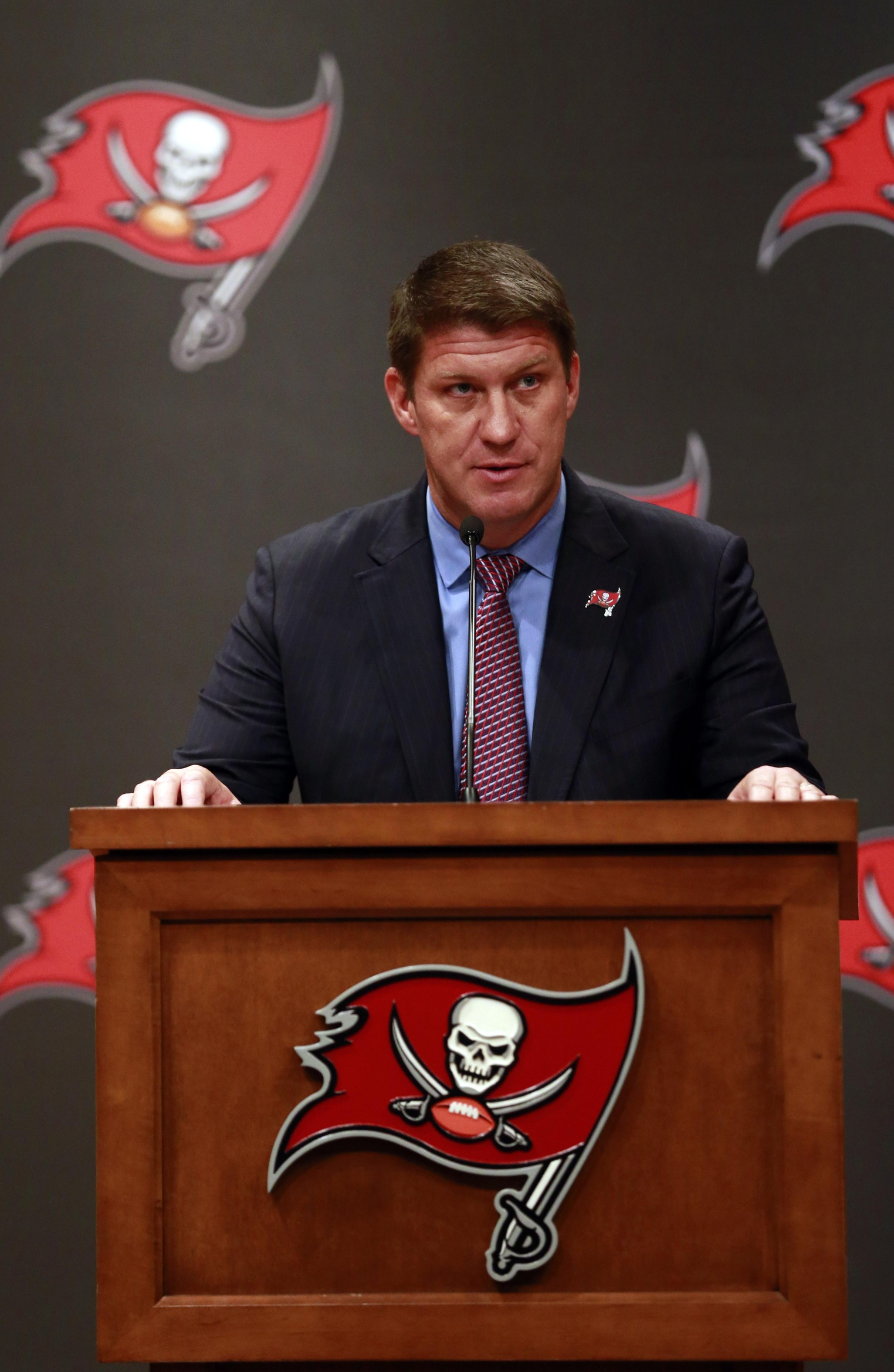 bruce carter pro football rumors jason licht