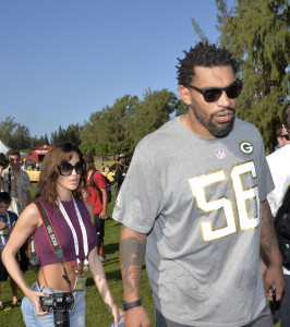 Julius Peppers (vertical)