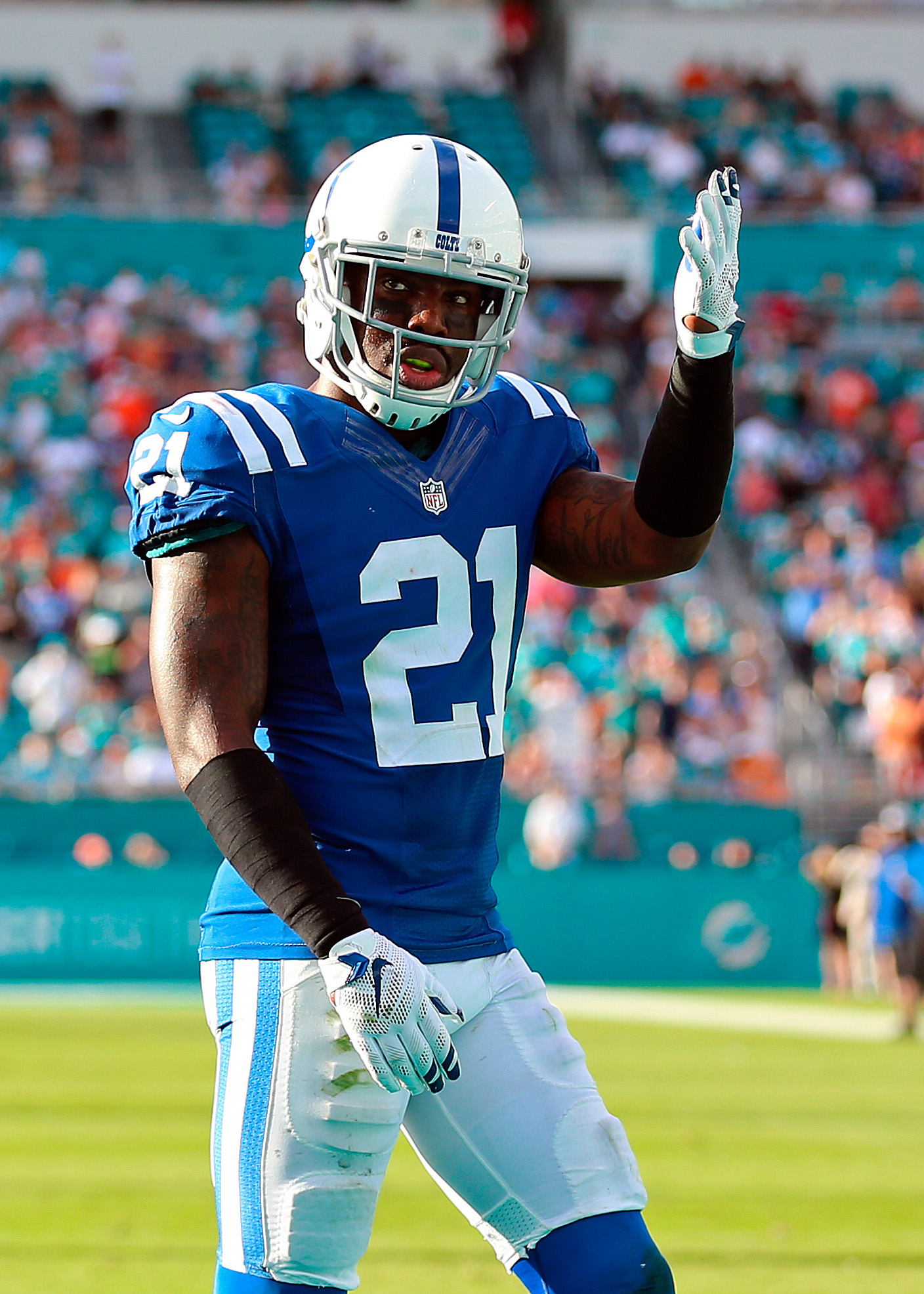 Contending Teams Interested In Vontae Davis