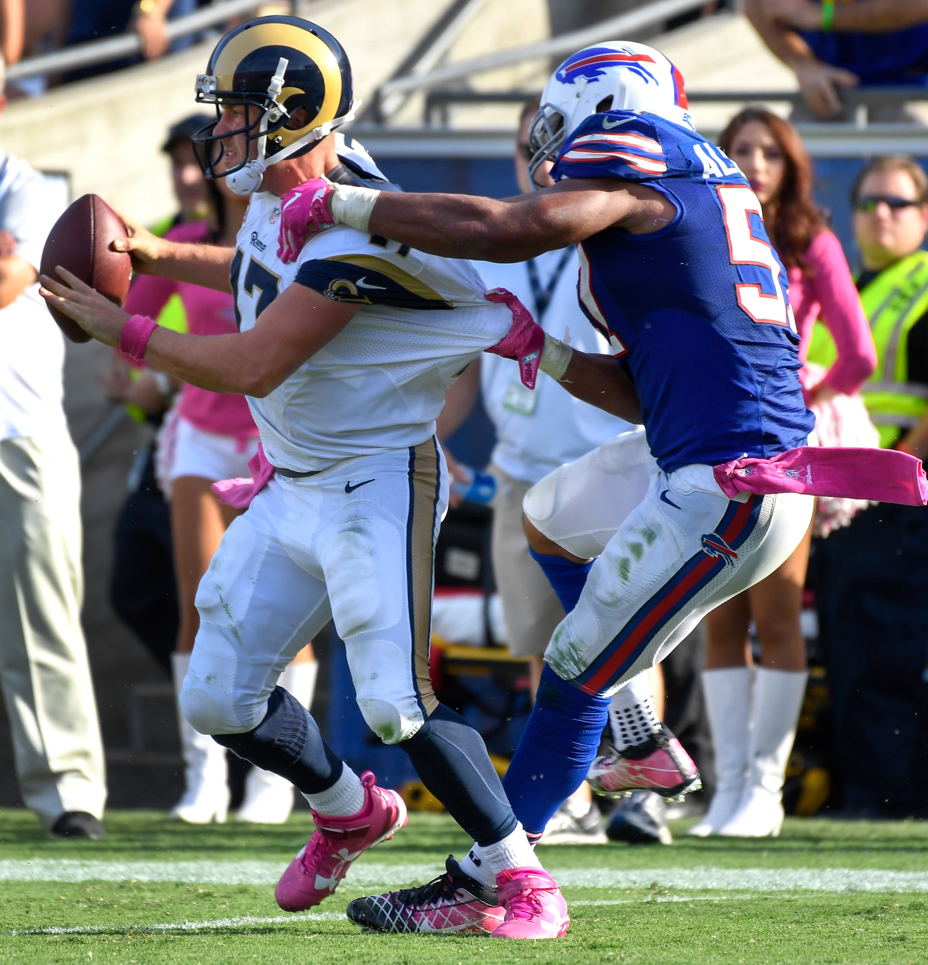Bills Trying To Re-Sign Lorenzo Alexander