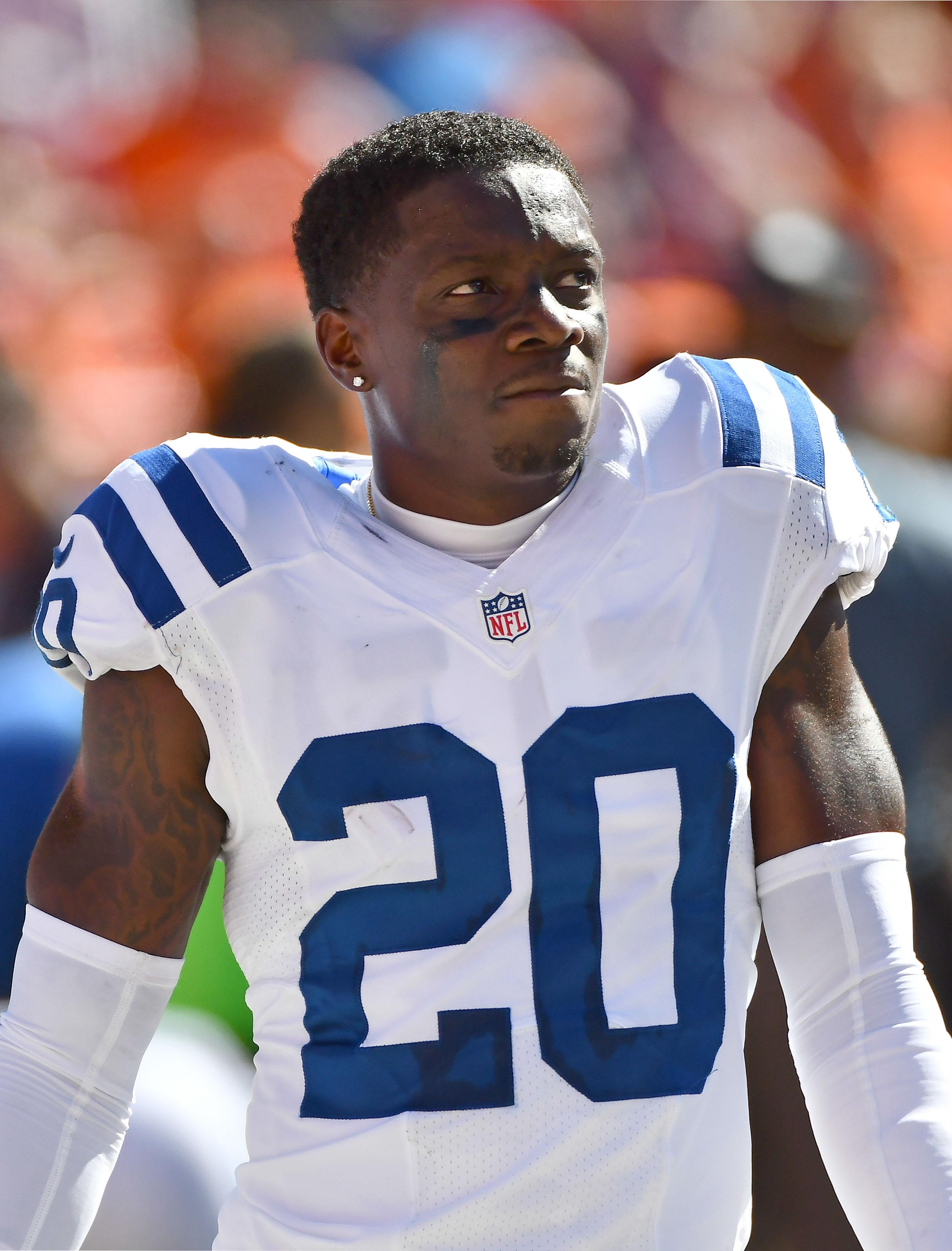 Colts Re-Sign Darius Butler