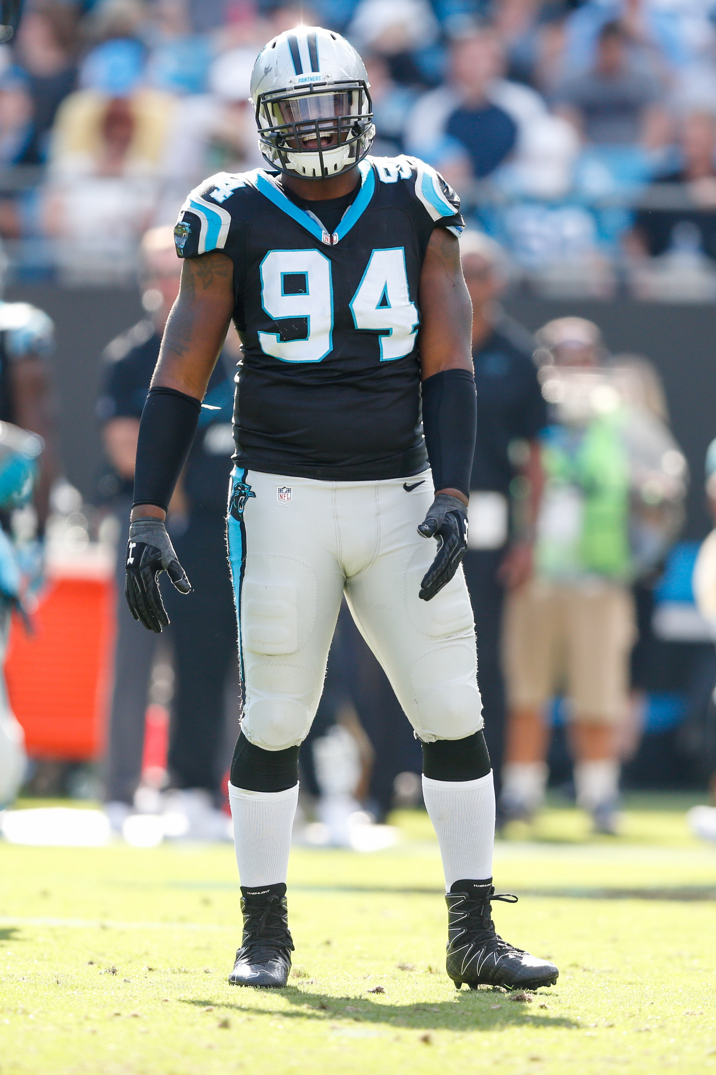 Panthers Trade DE Kony Ealy To Patriots