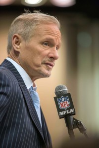 Mike Mayock (vertical)