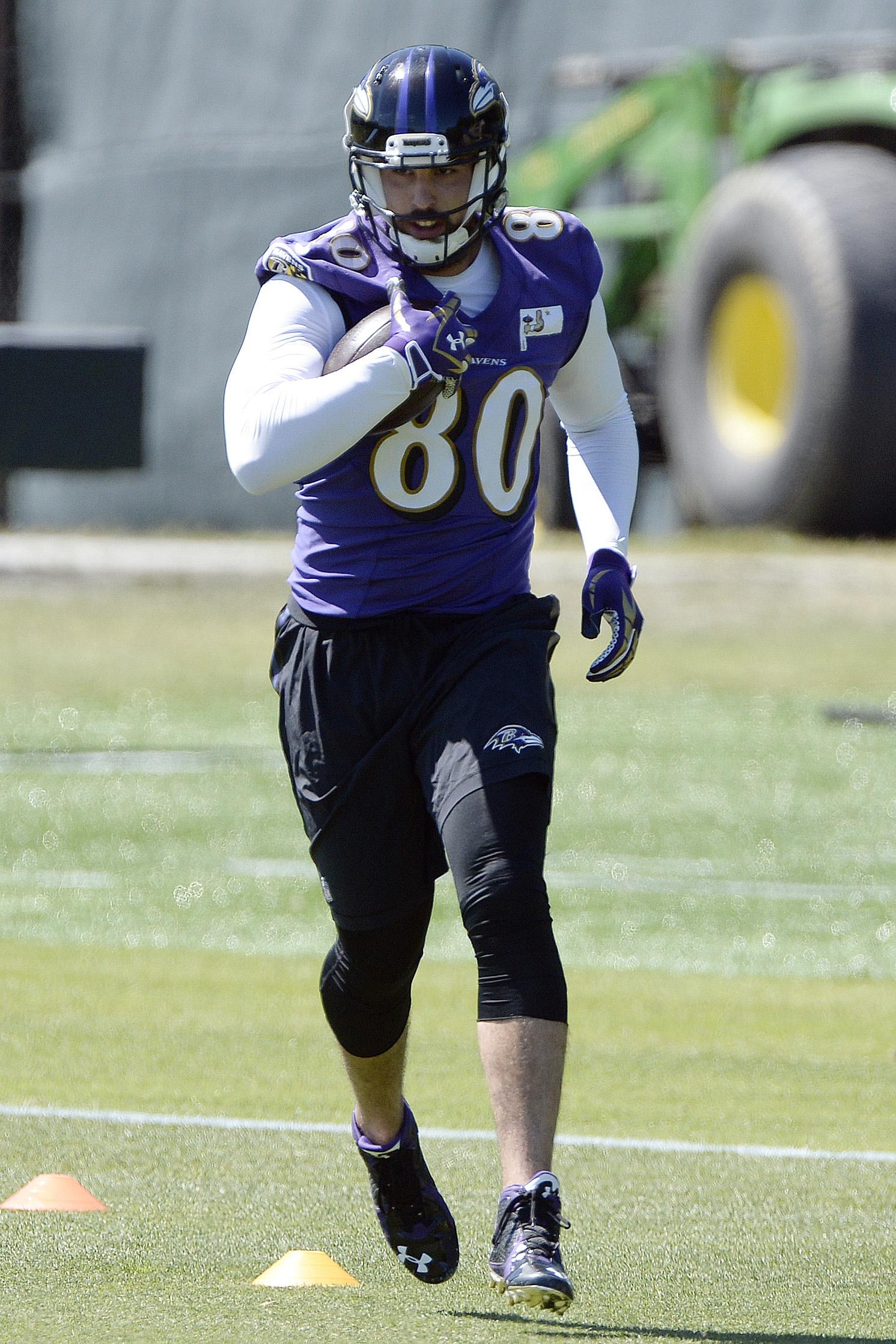 Ravens Work Out TE Crockett Gillmore