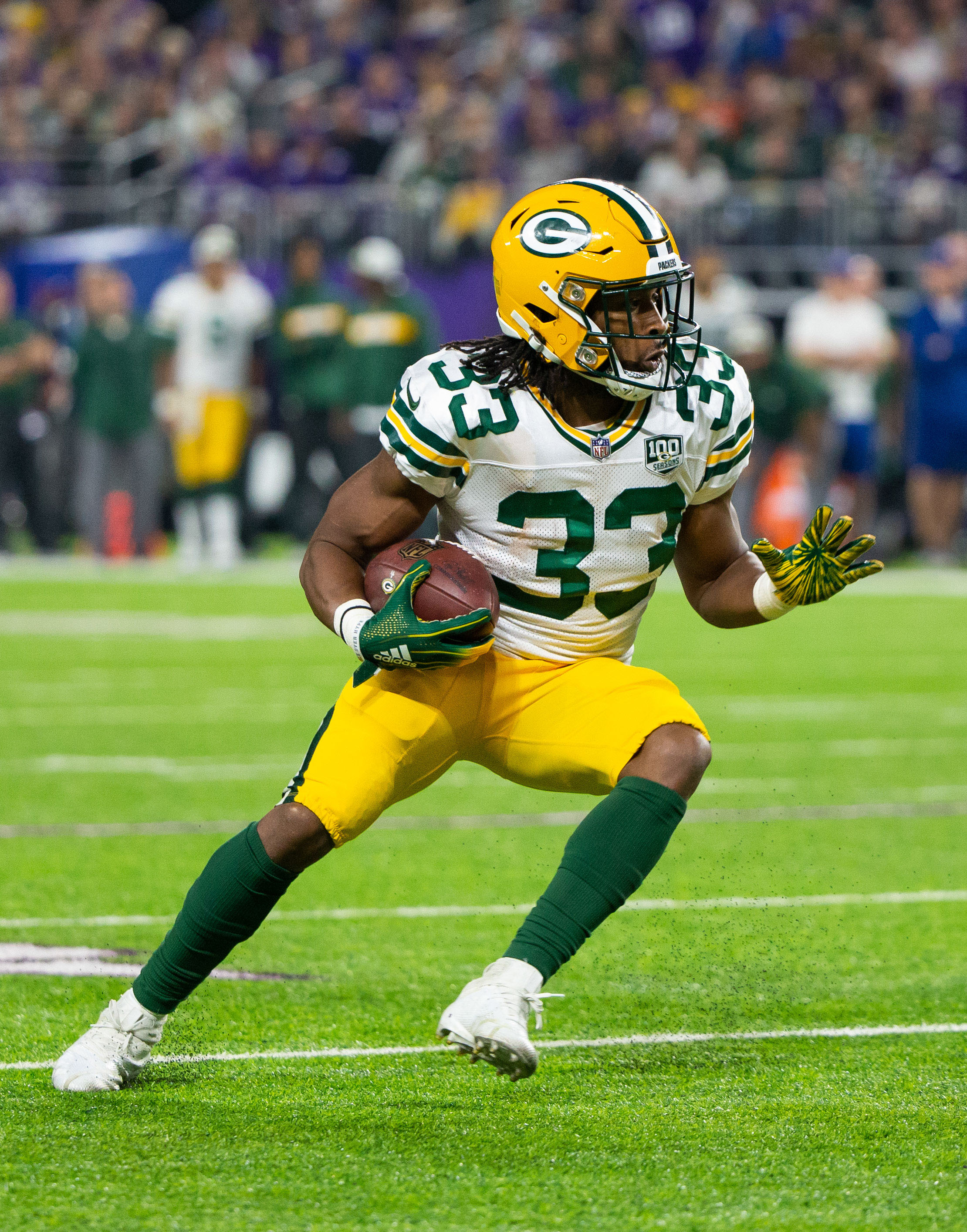 Knee Injury Could End Aaron Jones Season