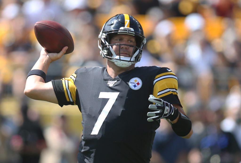 Ben Roethlisberger Resumes Throwing